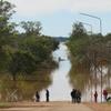 Logo Macri en Corrientes se desentiende de las inundaciones