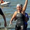 Logo La nadadora @pilargeijo habló con @FlorCordero tras sus 42km por el #RíoDeLaPlata entre URU y ARG