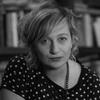 Logo Gabriela Borrelli dialoga con Diana Tarnovsky en Poesía Ya! -L a V 12:30 en AM 870 Nacional-.