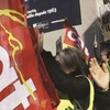 Logo Protesta en Francia: CGT y Chalecos Amarillos contra política social, económica represiva de Macrón